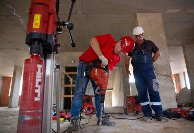 Post image for VNĪ izsludina iepirkumu KNAB mājvietas Citadeles ielā 1 fasādes atjaunošanai