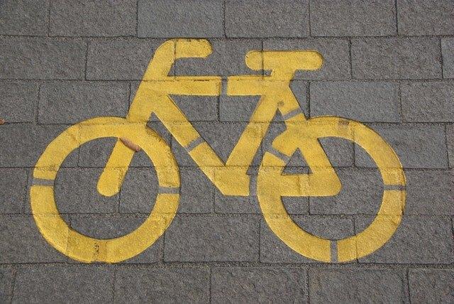 Post image for Tērvetē par 241 048 eiro izbūvēts asfaltēts gājēju un velosipēdistu ceļš