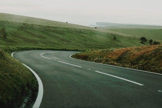 Post image for Valdībā apstiprina 100 miljonu investīcijas ceļu būvniecībai 2021.gadā