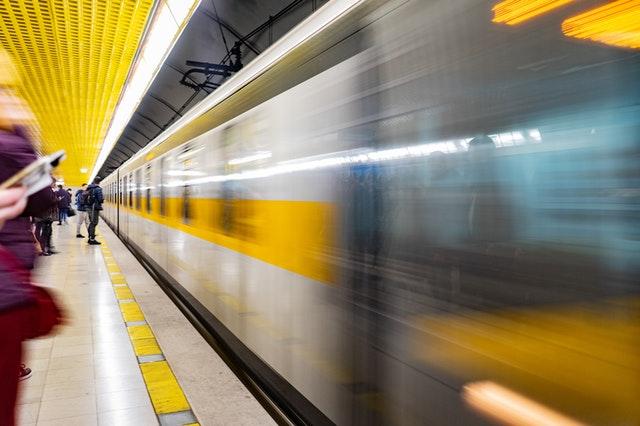 """Post image for Rail Baltica staciju, estakādi un dzelzceļu lidostā """"Rīga"""" būvēs B.S.L. Infra"""